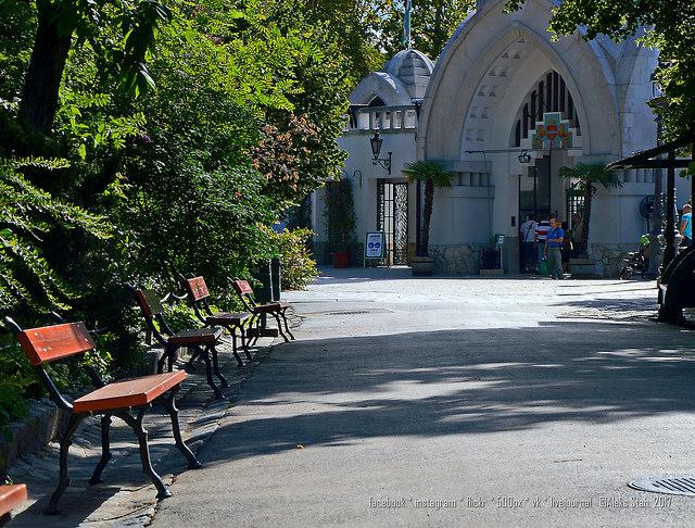 Будапештский зоопарк. часть 1 (по тропинкам зоопарка, история, скамеечки, здания)